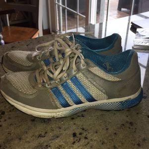 Size 8 Adidas shoes. Used, need a cleaning